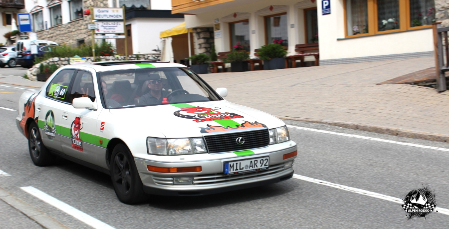 19-alpen-rodeo-youngtimer-oldtimer-adventure-roadtrip-2017-lexus-ls400.JPG