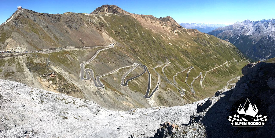 27-alpen-rodeo-youngtimer-oldtimer-adventure-roadtrip-2017-passostelvio-stilfserjoch.JPG