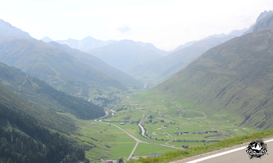 16-alpen-rodeo-youngtimer-oldtimer-adventure-roadtrip-2017-oberalppass-graubuenden-switzerland.JPG