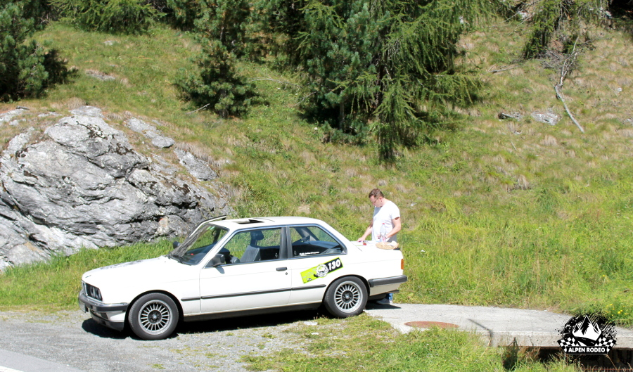 32-alpen-rodeo-youngtimer-oldtimer-adventure-roadtrip-2017-bmw-320i-e30-schweiz-switzerland.JPG