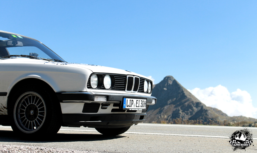 34-alpen-rodeo-youngtimer-oldtimer-adventure-roadtrip-2017-bmw-320i-e30.JPG