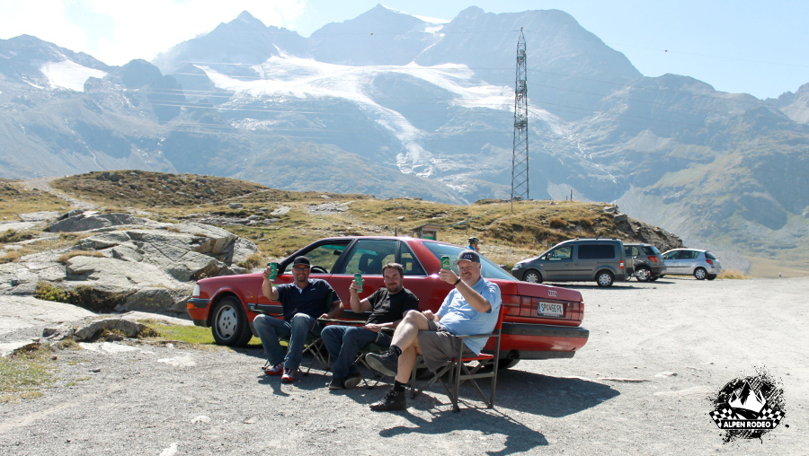 35-alpen-rodeo-youngtimer-oldtimer-adventure-roadtrip-2017-teammeeting-crew.JPG